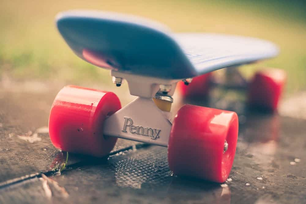 how to ride a penny board with big feet