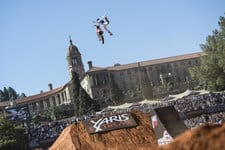 Watch Red Bull X-Fighters live from Pretoria
